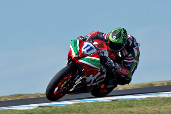 Lowes secures World Supersport pole position for Yamaha in Australia
