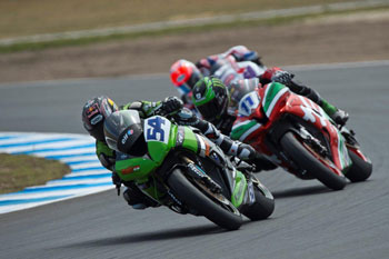 Sofuoglu surprises with Aussie World Supersport win over Lowes