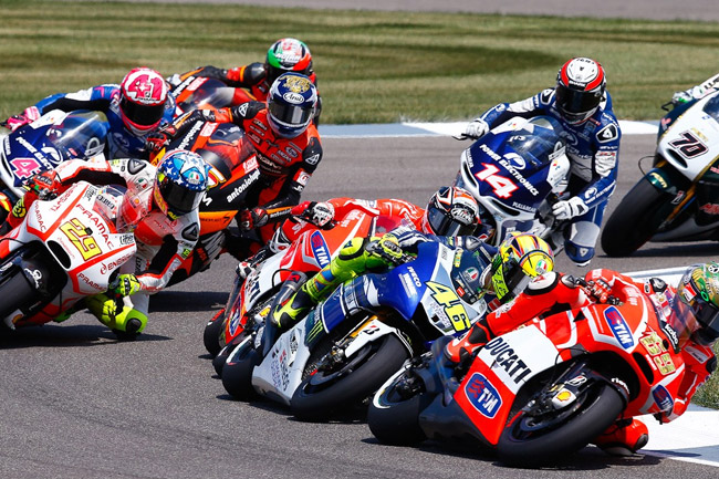 The battle for early track position in the MotoGP race at Indianapolis was fierce. Image: MotoGP.com.