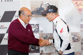 Casey Stoner inducted as 'MotoGP Legend' at Phillip Island