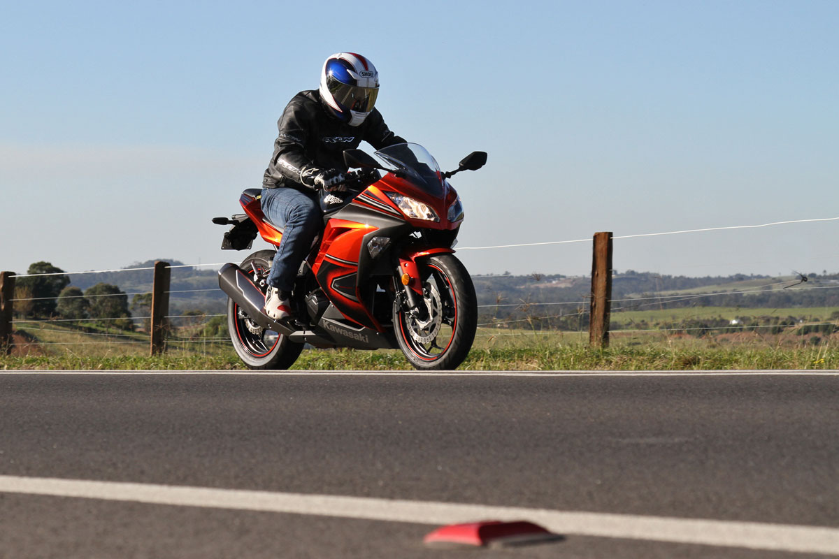 Tested: 2014 Kawasaki Ninja 300 ABS Special Edition - CycleOnline.com.au