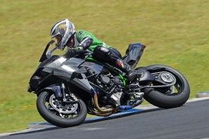Kawasaki Ninja H2R makes Australian track debut