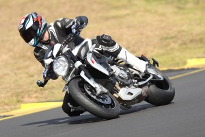 Review: 2015 MV Agusta Brutale Dragster 800 and RR