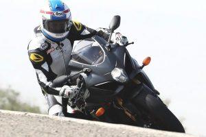 Viral: Kevin Schwantz rides 2017 Suzuki GSX-R1000R