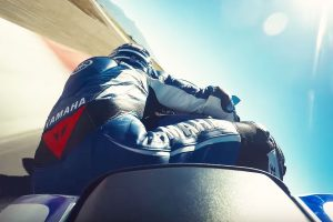 On-Board: 2017 Yamaha YZF-R6 at speed