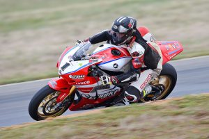 Herfoss leads Maxwell on Friday in ASBK at Wakefield Park
