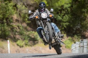 Review: 2017 Triumph Bonneville T100 and T100 Black