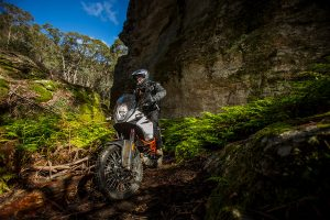 Review: 2017 KTM 1090 Adventure R