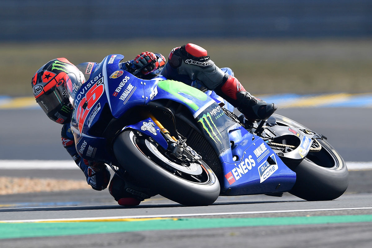 vi ales leads yamaha front row sweep at le mans. Black Bedroom Furniture Sets. Home Design Ideas