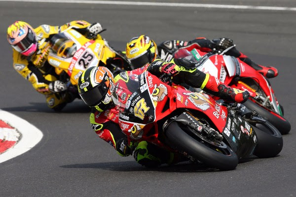 Byrne completes pivotal Brands Hatch BSB double