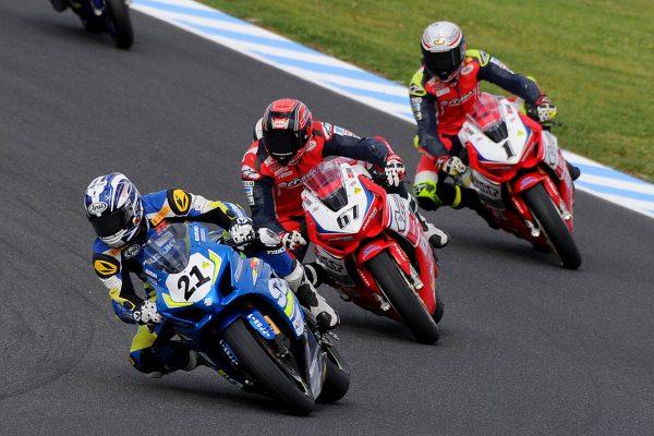 Waters dominates opening Phillip Island Superbike races