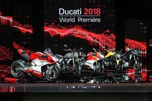 Striking 2018 Ducati Panigale V4 headlines EICMA premiere