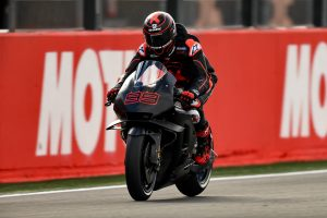 Wrist injury rules Lorenzo out of Sepang MotoGP testing