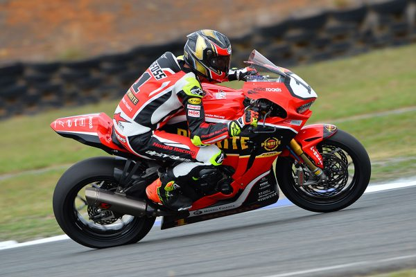 Herfoss sets the pace in Wakefield Park ASBK Friday practice