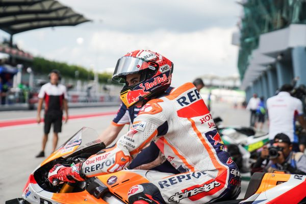 Shoulder recovery 'more complicated than expected' admits Marquez