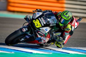 LCR's Crutchlow has screw inserted in fractured scaphoid